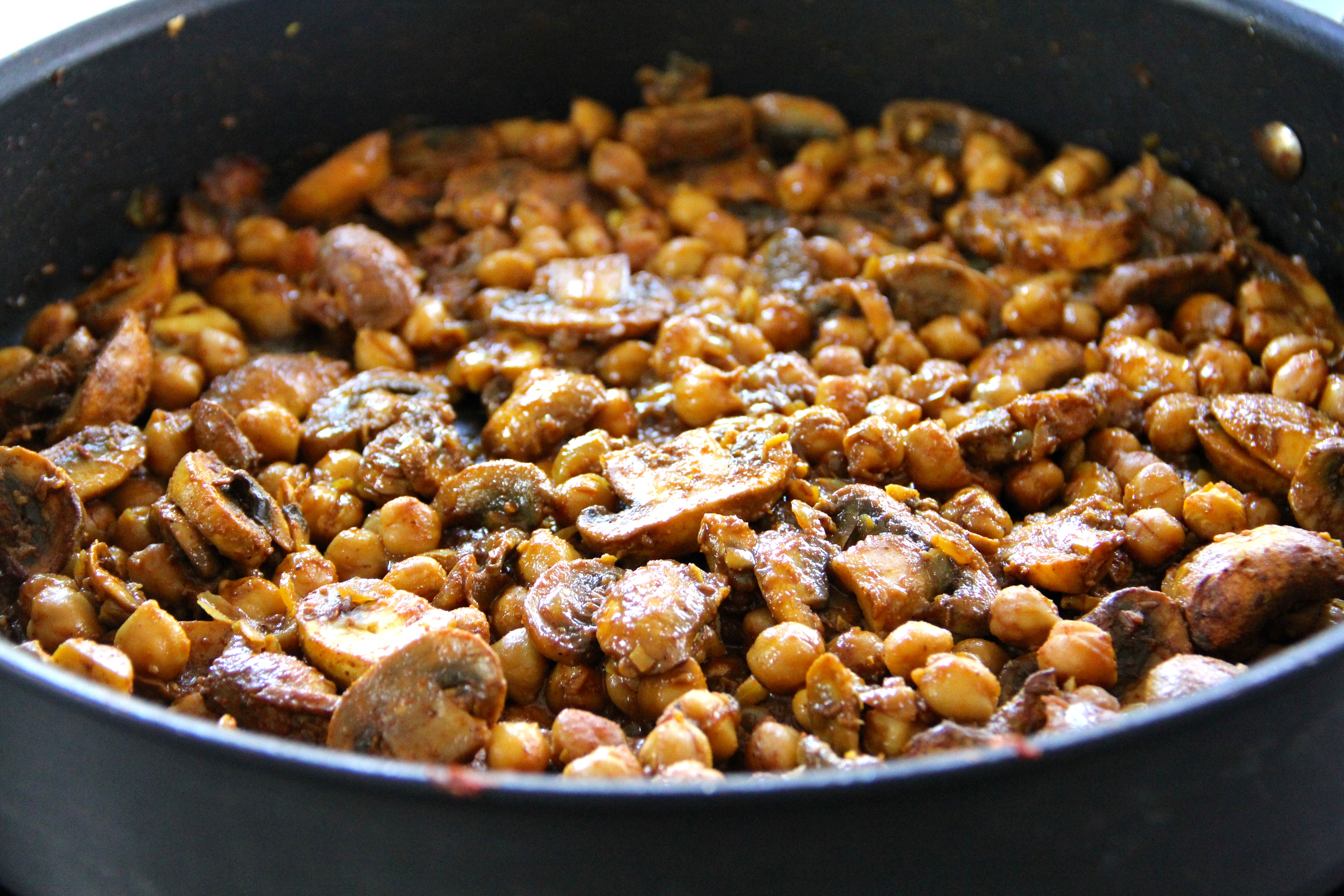 Mushroom chickpea curry emmas little kitchen anyway enough about me shall we get stuck into this curry yes lets i am a little bit in love with this dish i am a huge fan of mushrooms and this forumfinder Images