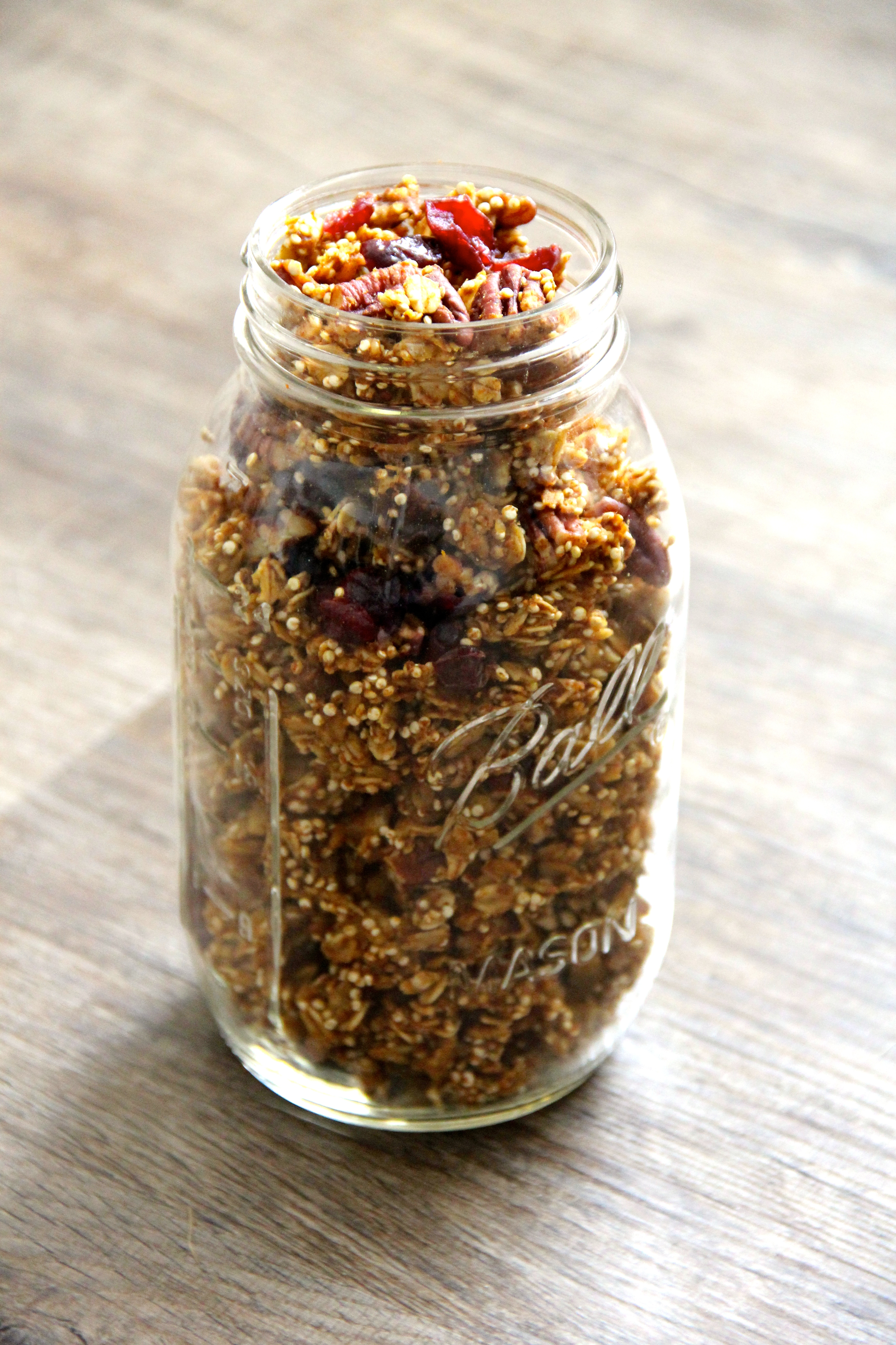 Happy (almost!) Autumn! I hope you love this granola as much as I do!