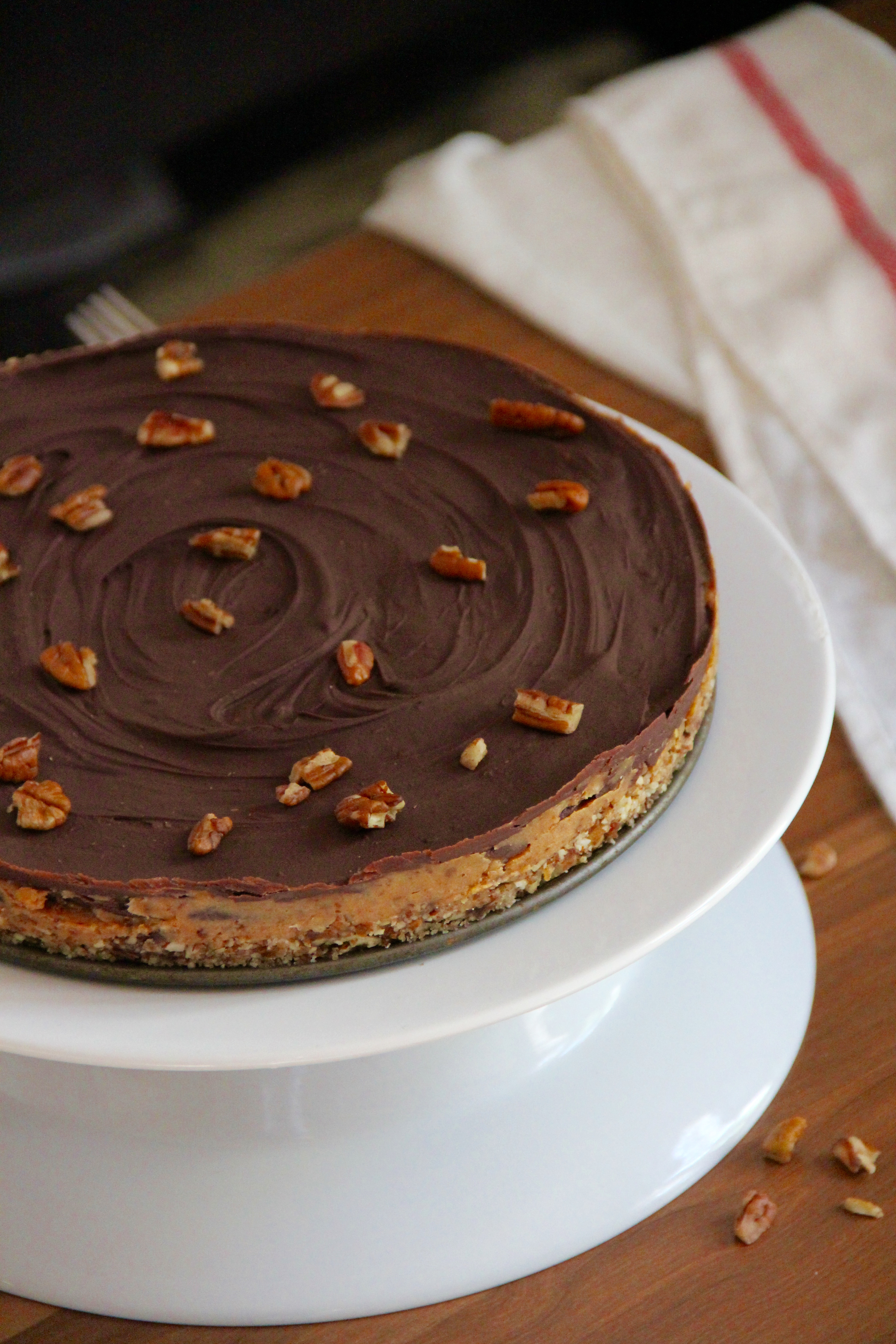 Salted Date Caramel Chocolate Tart (No Bake!) - Emma's Little Kitchen